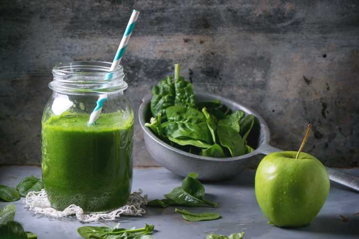 Green spinach and green apples are your green go-to ingredients